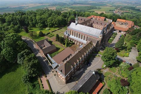 abbaye du mont des cats la et drone observation et prises de vues a 233 riennes