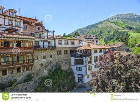 potes espagne images stock image 32098624