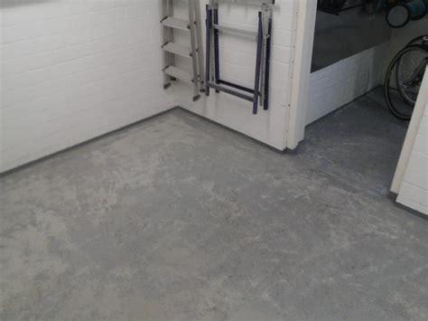 Schuur Cement by Egaliseren Van Garagevloer En Aansluitende Vloer Van