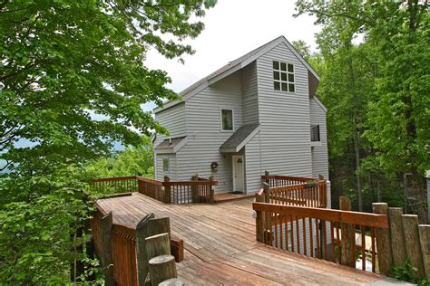 poppes a 2 bedroom cabin in gatlinburg tennessee mountain laurel chalets gatlinburg