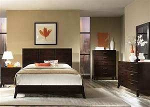Computer Im Schlafzimmer : 40 beispiele wie sie schlafzimmer nach feng shui dekorieren ~ Markanthonyermac.com Haus und Dekorationen
