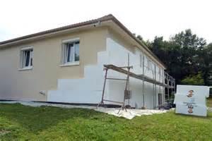 isoler sa maison par l extrieur beautiful isolation et crpis finis crest with isoler sa maison