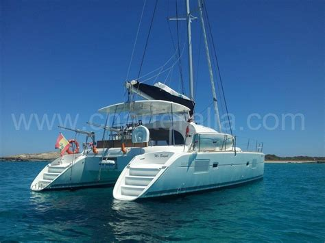 Paseo Catamaran Ibiza by Sailing Boat In Ibiza Vs Catamaran