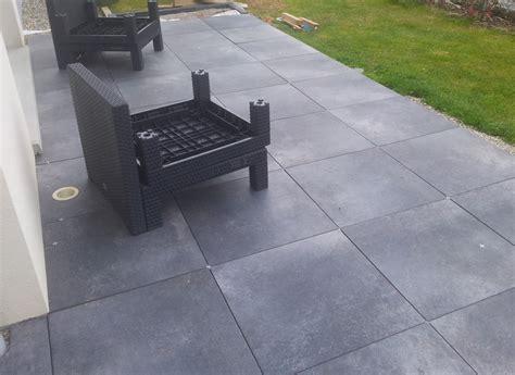 bricolage de l id 233 e 224 la r 233 alisation terrasse design et contemporaine dalles noires