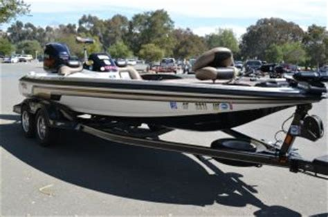 Phoenix Bass Boats Vs Skeeter by Boats Fishing Boats Bass Fishing Boats Web Museum