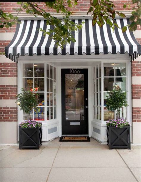 Best 20  Store fronts ideas on Pinterest   Shop fronts, Bakery shop design and Small shops