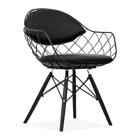 chaise fils de fer avec pieds en bois de style dsw cult uk