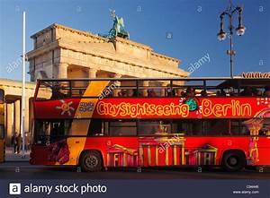 Bus Berlin Kiel : sightseeing tour by bus in berlin bus in front of the brandenburg stock photo 40043702 alamy ~ Markanthonyermac.com Haus und Dekorationen
