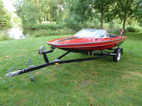 Speedboot Inboard by Ktb Speedboat With A 3 Cylinder Waltburg 56 Hp Inboard