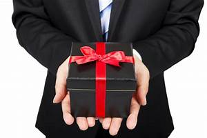 Holiday Office Gift Giving Do's and Don'ts