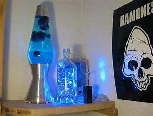 Lichterkette In Flasche : bezaubernd absolut vodka flasche mit blauer led lichterkette frater aloisius says hell ~ Markanthonyermac.com Haus und Dekorationen