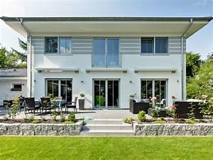 Moderne Häuser Walmdach : fertighaus von luxhaus walmdach 208 ~ Markanthonyermac.com Haus und Dekorationen