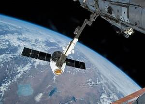 SpaceX Dragon Commercial Resupply Cargo Spacecraft Arrives ...