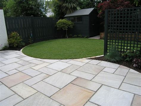 25 best ideas about garden paving on paving ideas patio slabs and paving slabs
