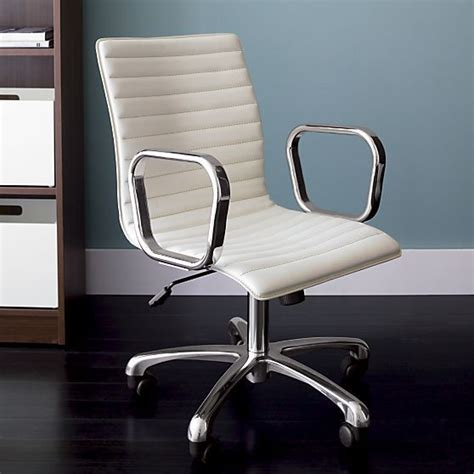 17 best ideas about office chairs on grey office desk space and small office spaces