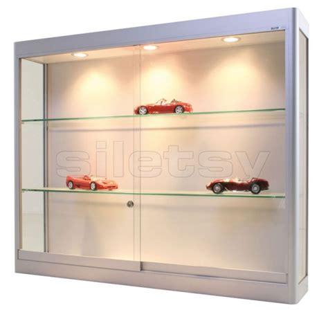 choisir sa vitrine pour miniatures automobiles