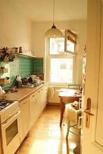 Küche Gemütlich Einrichten : gem tlich eingerichtete k che in berlin mit warmem lichteinfall einrichtung k che idee ~ Markanthonyermac.com Haus und Dekorationen
