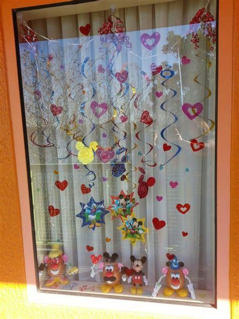 best 20 disney window decoration ideas on garland resort window decorating and