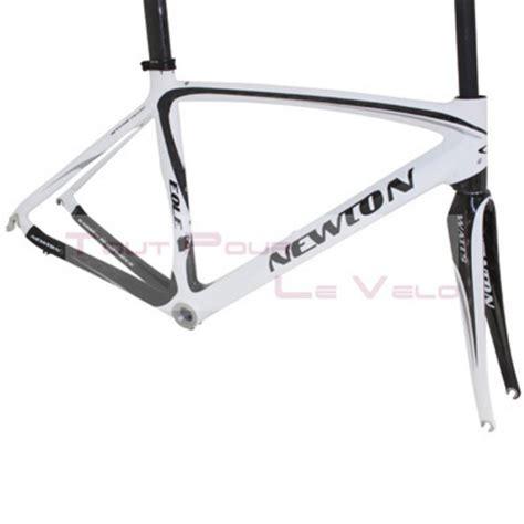 cadre montage velo route newton carbone eole 3k blanc noir