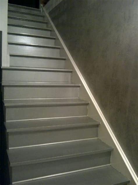 mur stuc venitien escalier bois peinture argent martel 233 le de did d 233 co