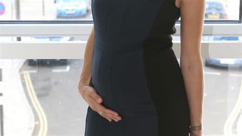 4 mois de grossesse le b 233 b 233 bouge et que faire en cas de mal de ventre
