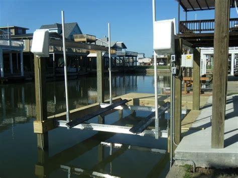 Boat Lift Distributors Houston Texas by 21 Best Boat Houses Images On Pinterest Boat Lift Boat