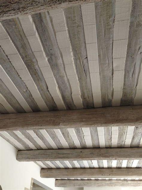 plafond poutre voliges et pl 226 tre poutre