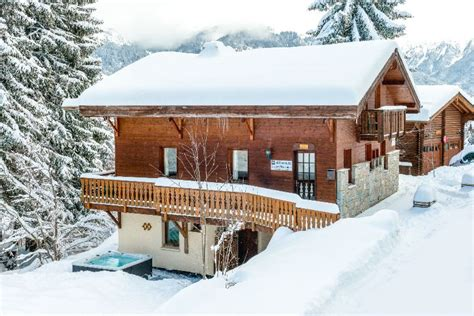 chalet clementine la tania ski chalet for catered chalet skiing holidays snowboard and summer