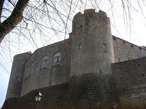 chateau et de mont jean xiie xve siecle adresses horaires tarifs