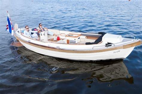 Loosdrecht Fluisterboot by Sloep Huren Leiden Botentehuur Nl