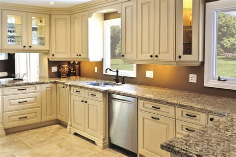 Traditional Kitchen Designs For A Royal Look