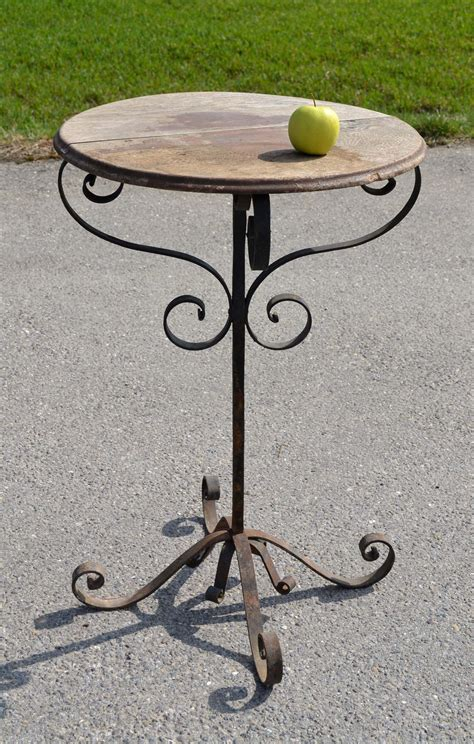 table pied fer forge plateau bois maison design bahbe
