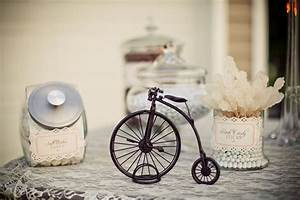 Vintage Style Deko : vintage style candy table guest feature celebrations at home ~ Markanthonyermac.com Haus und Dekorationen