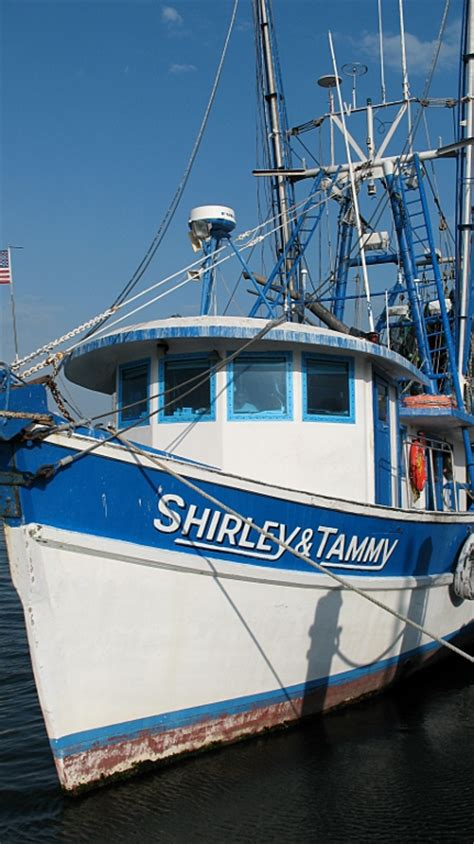 Boats For Sale In Galveston Texas Craigslist by They Share The Port With Small Personal Craft Party