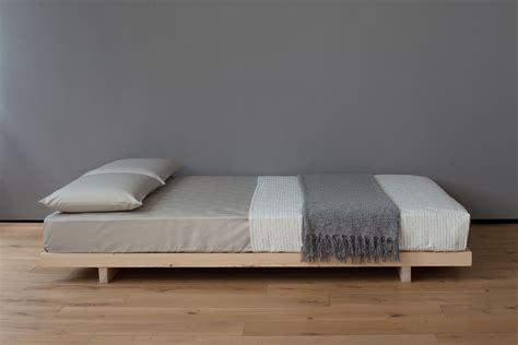 bed frame low to ground 25 best ideas about modern beds