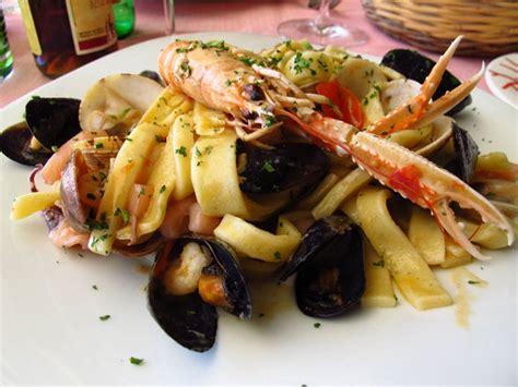 p 226 tes aux fruits de mer linguine spaghetti recette italienne