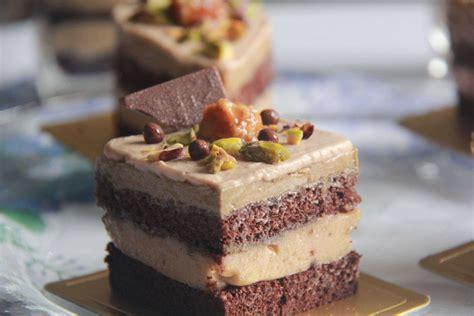 simple indulgence petit gateau cafe chocolat caramel peanut butter
