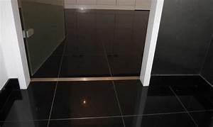 Nero Assoluto Granit : nero assoluto poleret ~ Markanthonyermac.com Haus und Dekorationen