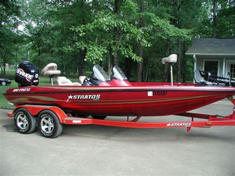 Stratos Boats Facebook by Topic Ski Boat Vs Fishing Boat Junk Her