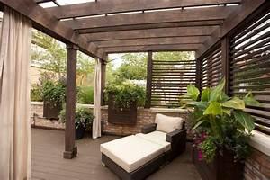 überdachte Terrasse Bauen : gem liche gut abgeschirmte sitzecke auf der terrasse terrassen berdachung sichtschutz ~ Markanthonyermac.com Haus und Dekorationen