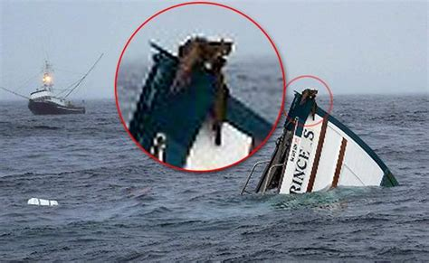 Wicked Tuna Boat Sinks by Simos 60s Wooden Boat