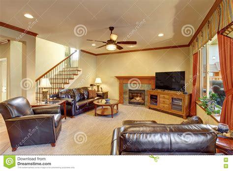 int 233 rieur de luxe de salon avec la chemin 233 e et la moquette photo stock image 74633247