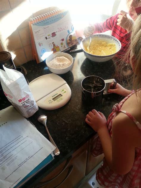 en cuisine en famille cuisiner avec les enfants le journal d une mam an forme
