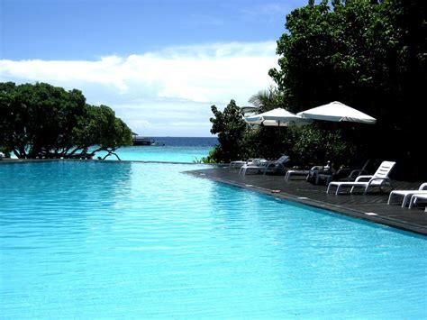 Infinity Pool :  Coolest Infinity Pools Around The World