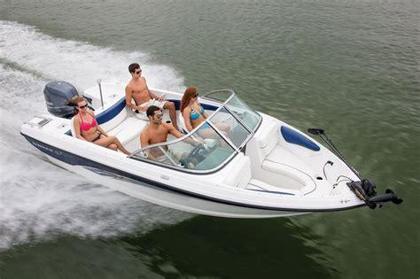 Sea Ray Boats Vs Bayliner by New 2014 Rinker Captiva 186 Ob Bowrider Boat For Sale In