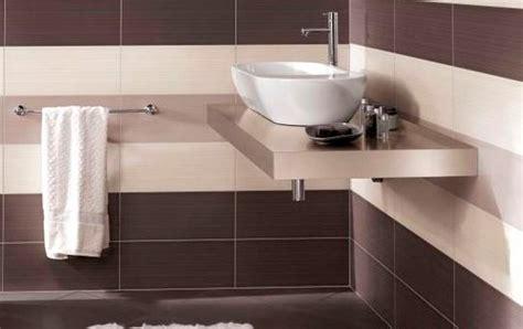 nettoyer le carrelage de la salle de bains