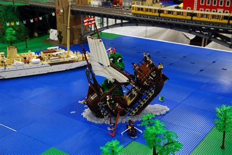 lego boats sinking