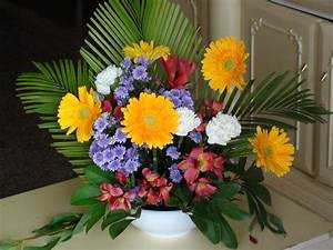 How to arrange a flower bouquet - YouTube