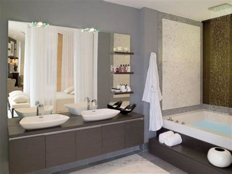 miscellaneous paint color for a small bathroom