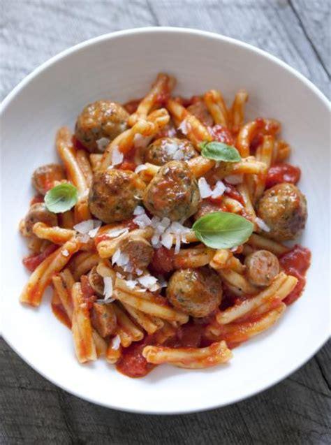 p 226 tes sauce tomate et boulettes de dinde ch 226 telaine